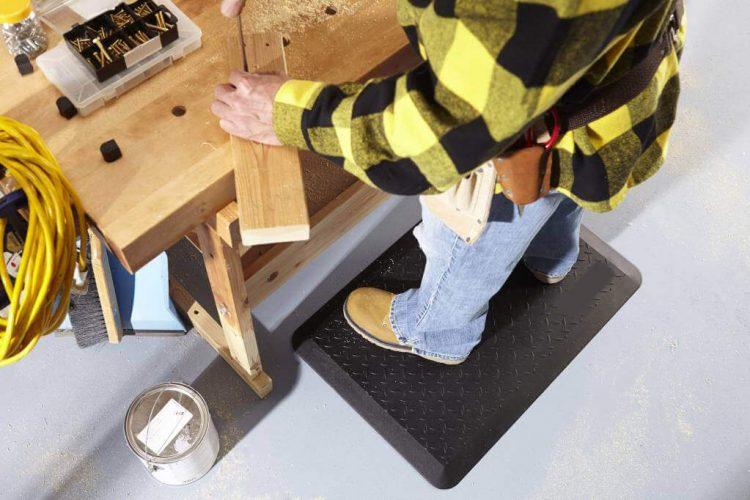 tapis-anti-fatigue-pour-travailler-debout