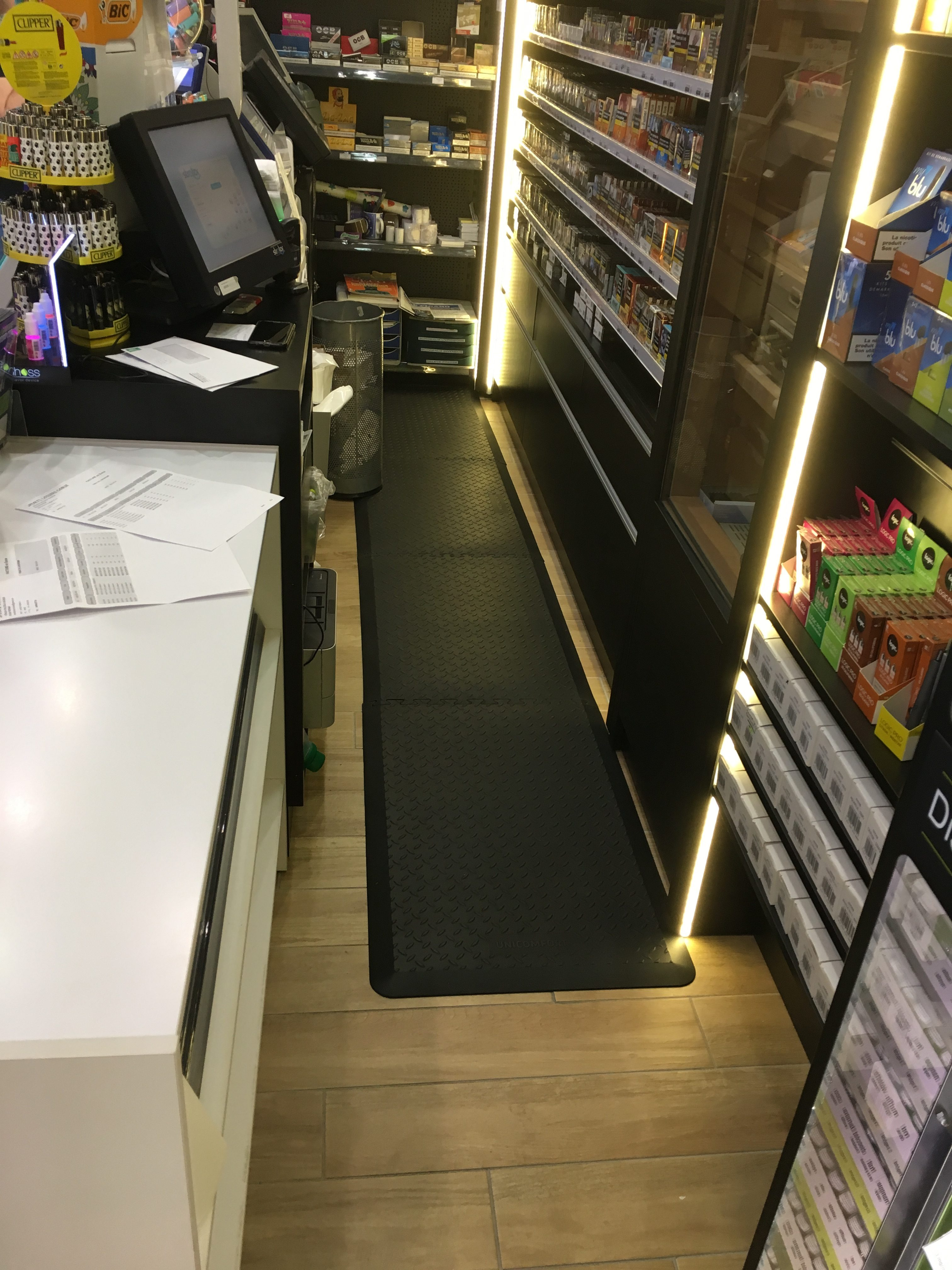 tapis-anti-fatigue-arriere-bar